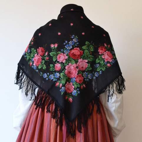 Mantón de merino rosas