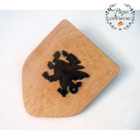 Escudo de madera artesanal San Jorge claro