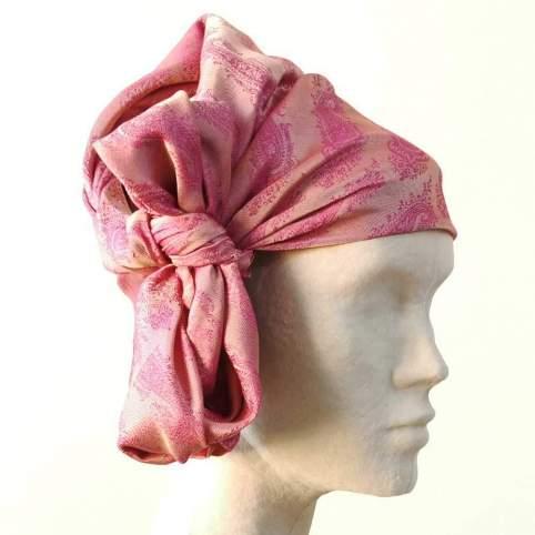Pañuelo Cabeza Cachemir Rosa para traje baturro