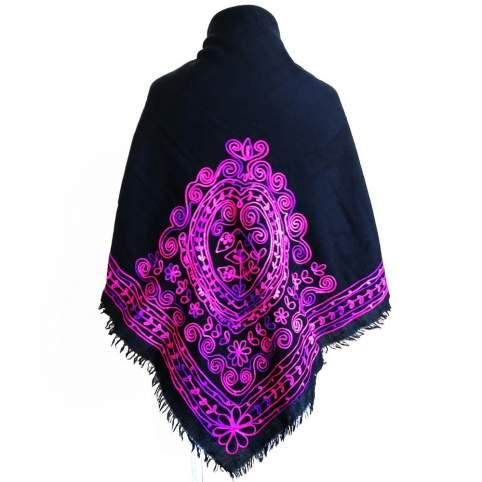 Mantón de lana con bordado cadeneta morado degradado traje de baturra